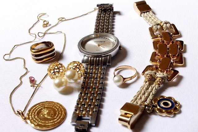 Achat ou vente objets en or : vers qui se tourner?