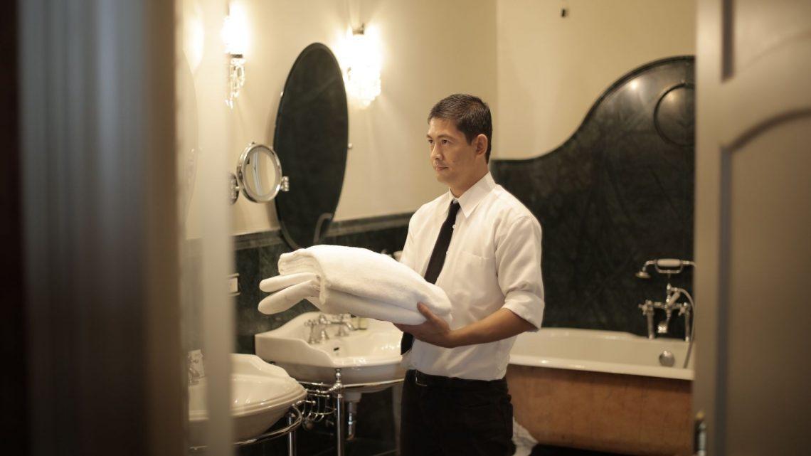 Plongez dans le monde professionnel de l'hôtellerie avec un solide bagage de compétences