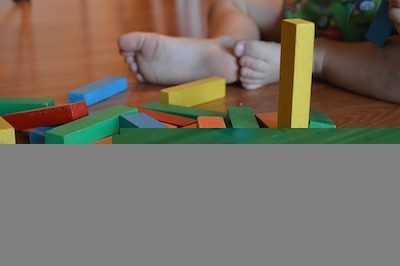 Importance des jouets et des jeux sur le développement de l'enfant