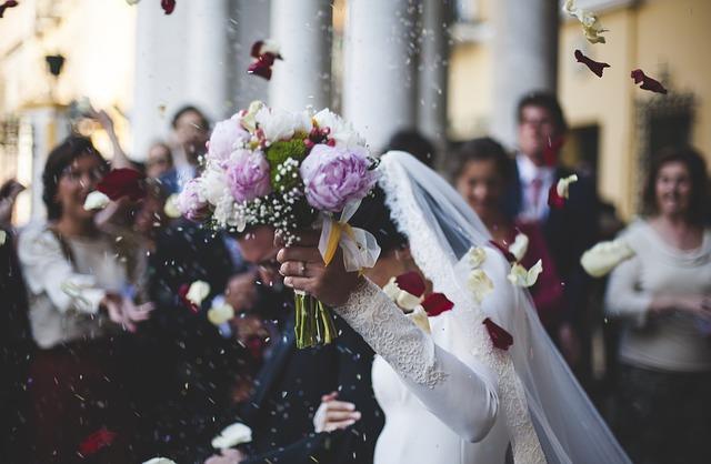 Comment choisir la robe de mariée qui convient à votre corps ?